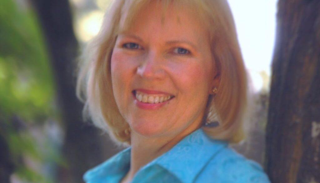 Gayla Hiss headshot